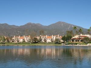 Saddleback Mountain with Lake Rancho Santa Margarita in the foreground (image credit: Wikipedia)